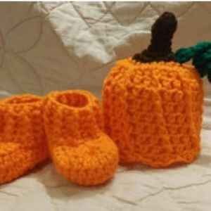 Other - Newborn Pumpkin Hat and Bootie Set